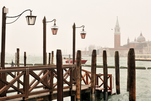 Wie wurde Venedig erbaut