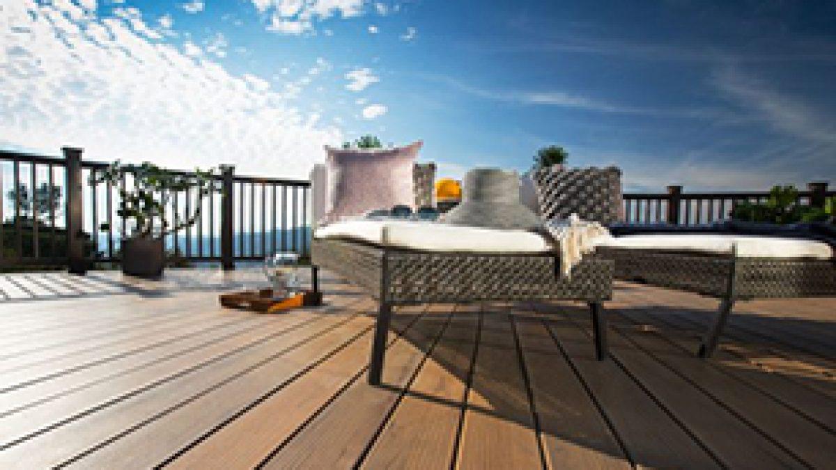 Was ist besser WPC  oder Holz Terrassendielen   HOLZwelten