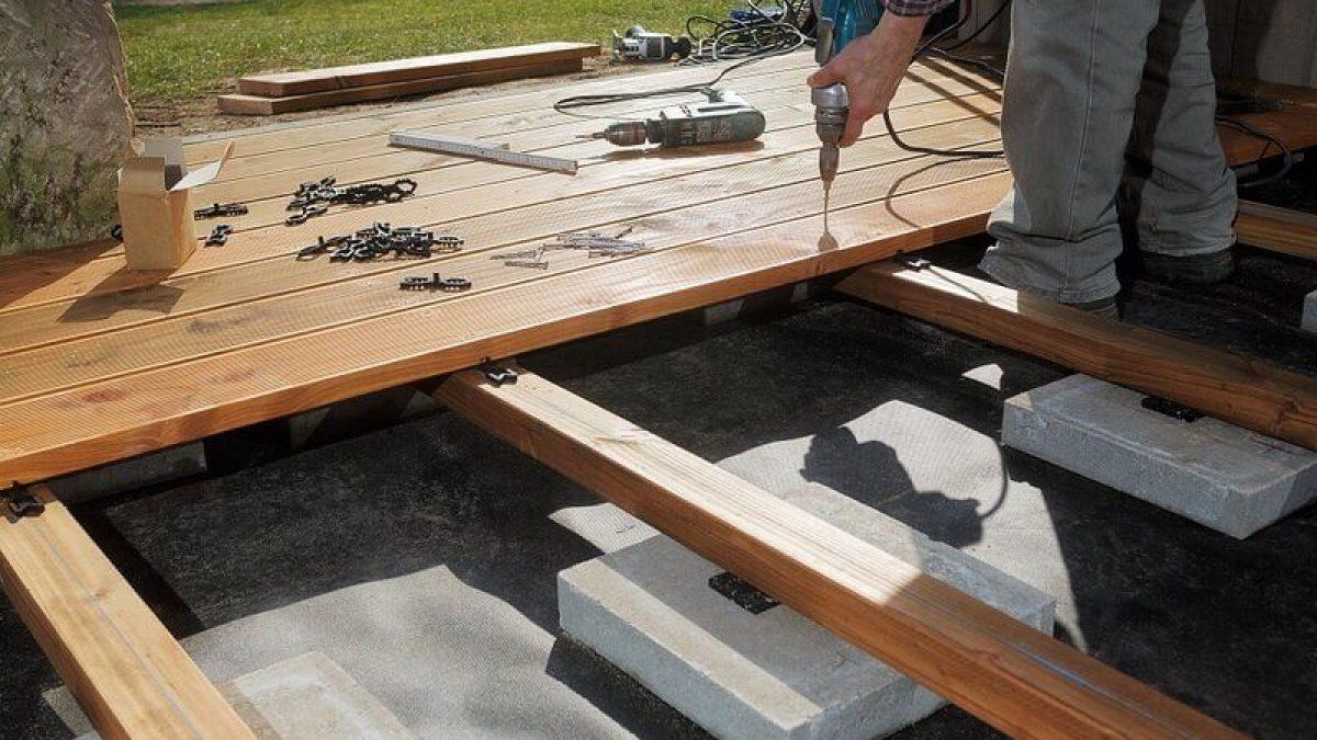 Terrassenunterkonstruktion So machen Sie es richtig   HOLZwelten