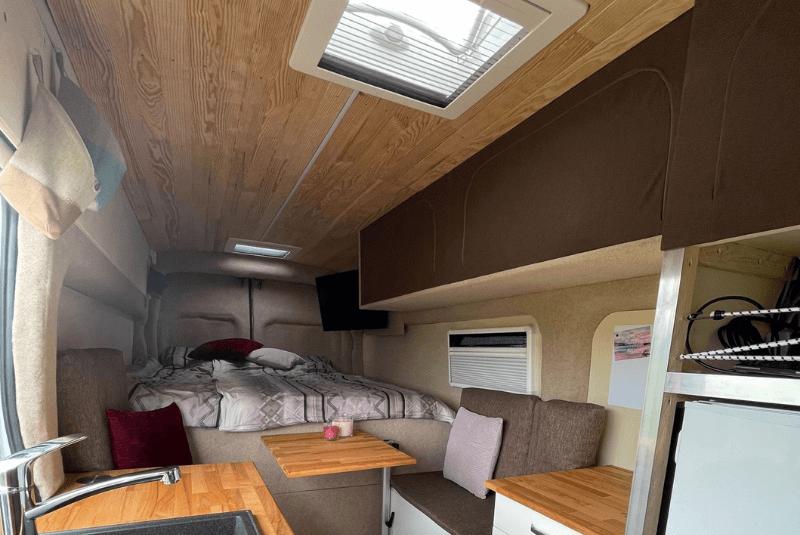 DIY-Camper fertig ausgebaut